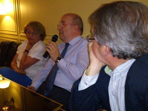 Los europeístas debaten con los candidatos electorales